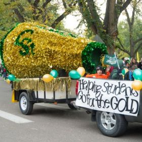 Join in the fun at the homecoming parade