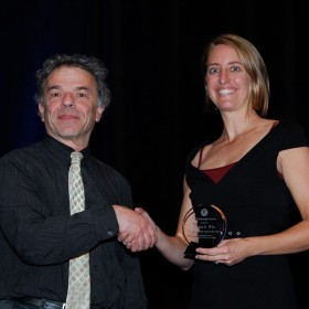 Pyschology professor wins early career award