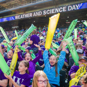 Little Shop of Physics wows at Weather and Science Day