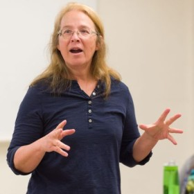 Toxicology professor earns Best Teacher Award for her Socratic method