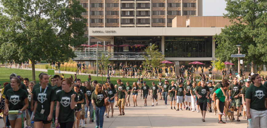 Freshmen make their way to the Opening Convocation during Ram Welcome 2015.