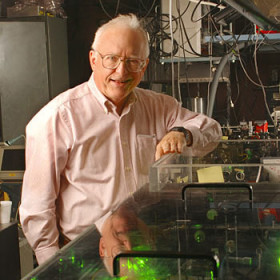 Physics Nobel laureate to give public lecture