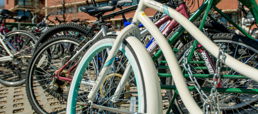 Cyclists breathe the brunt of harmful pollution, commuter study finds