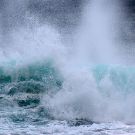 Salty sea spray affects the lifetimes of clouds, researchers find