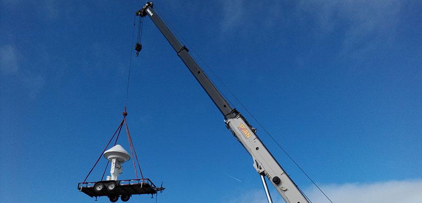 radar and crane