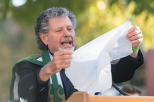 ed warner holding napkin