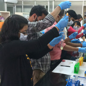 Tuberculosis researchers lead scientific workshops for grad students in India
