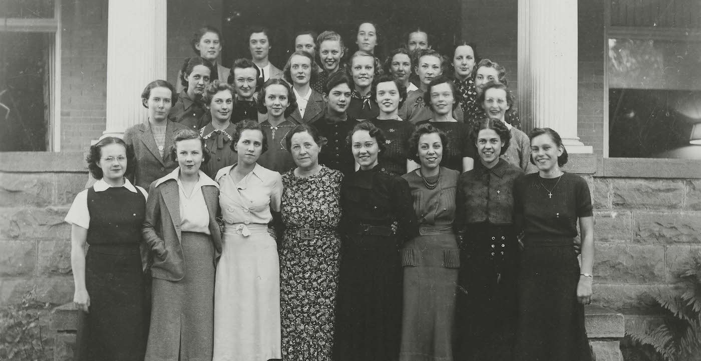 Kappa Alpha Theta historical shot