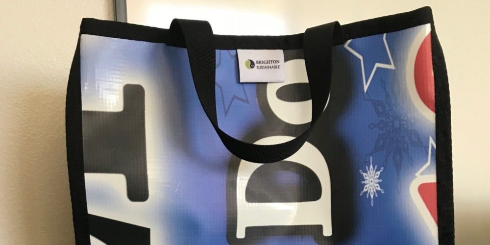 Tote bag from recycled banner