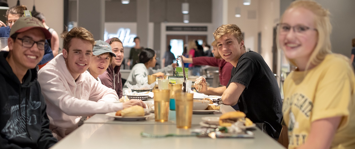 Students eating in Foundry