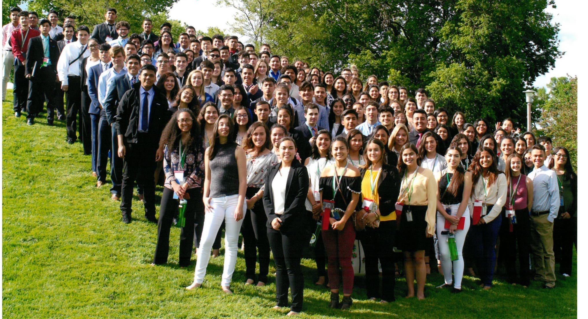 Group photo of 2018 LDZ participants