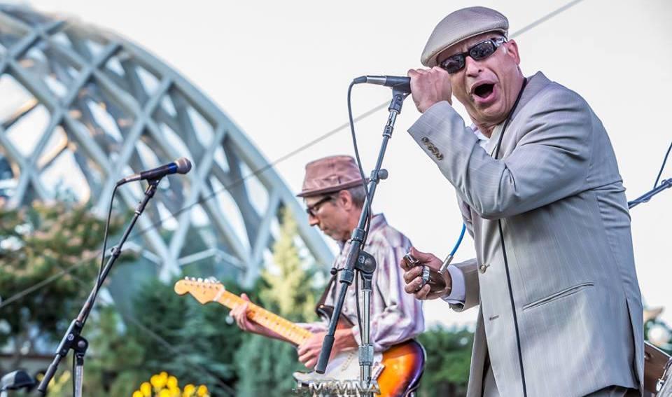 Delta Sonics performing