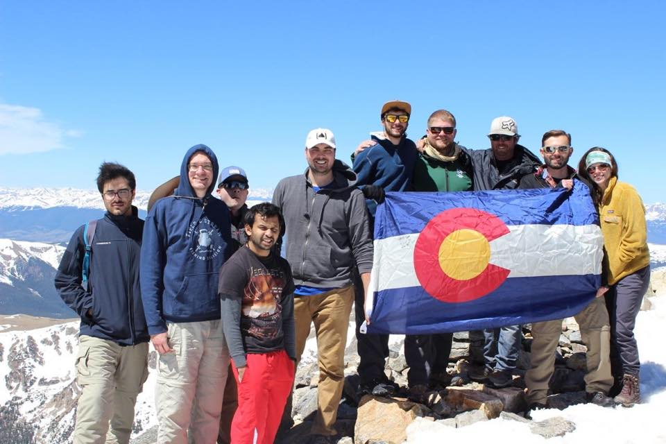 Student veterans with Colorado flag