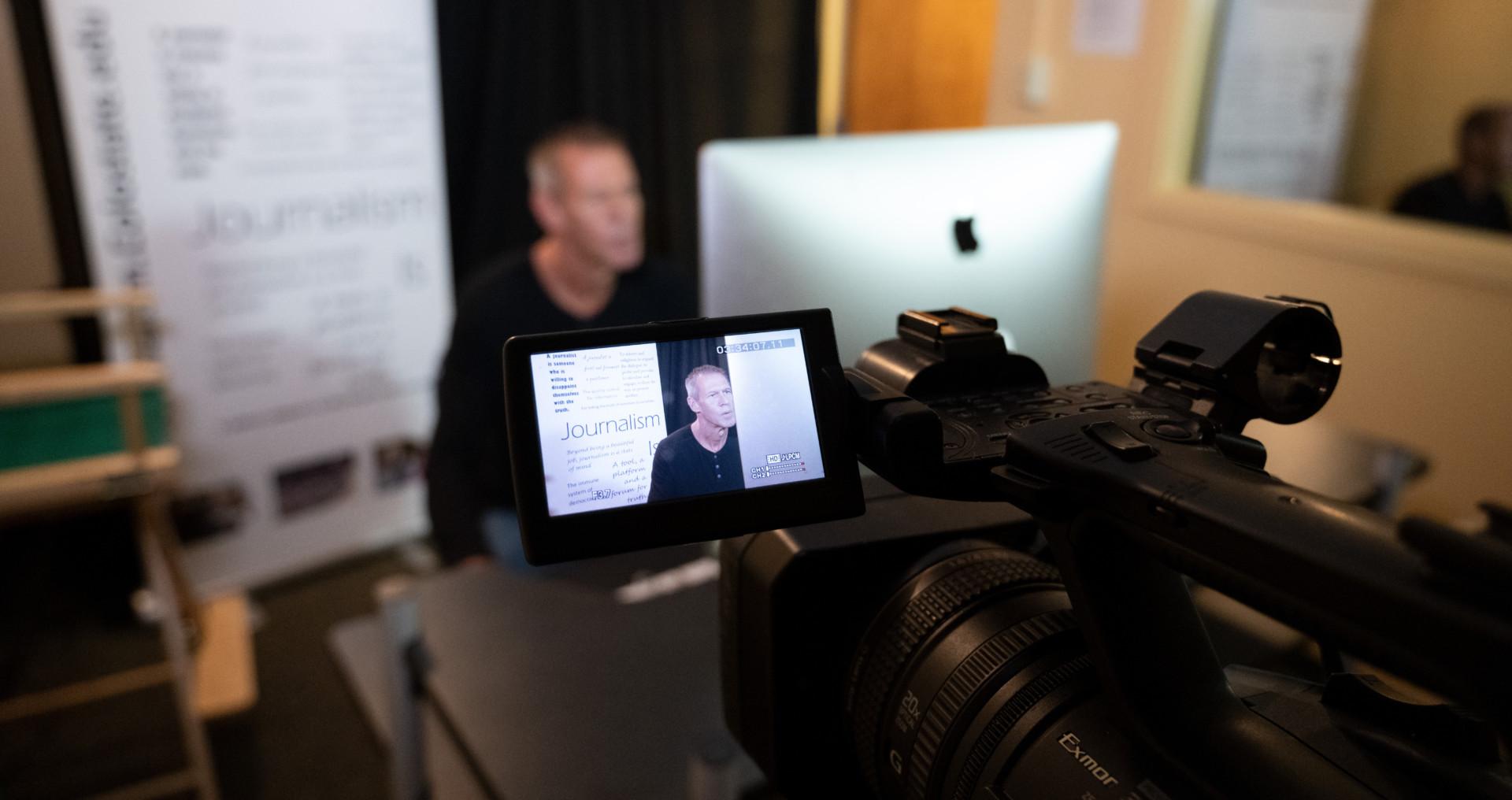 Steve Weiss in studio