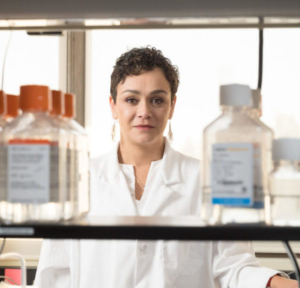 Marcela Henao-Tamayo in her lab