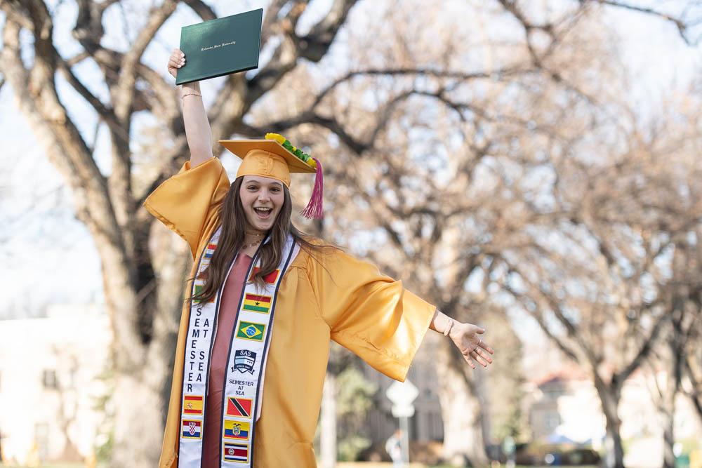 Graduate on oval