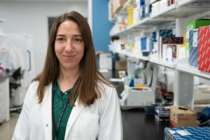 Dr. Angela Bosco-Lauth in the lab at CSU