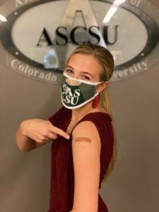 Student gets flu shot